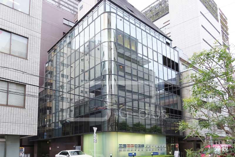 新橋5丁目ガラス張りのビル 1階のイメージ